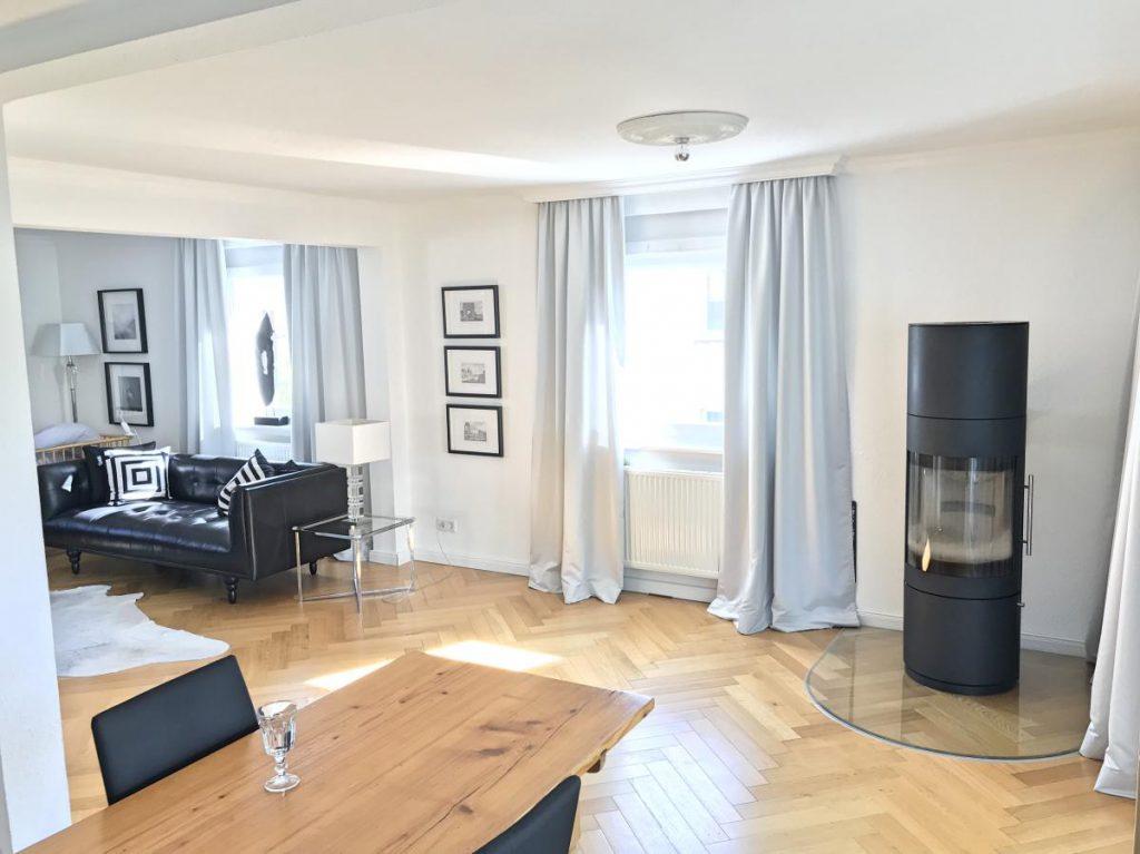 Homestory Eric Dane-Double Tobias. Blick ins Wohn- und Esszimmer