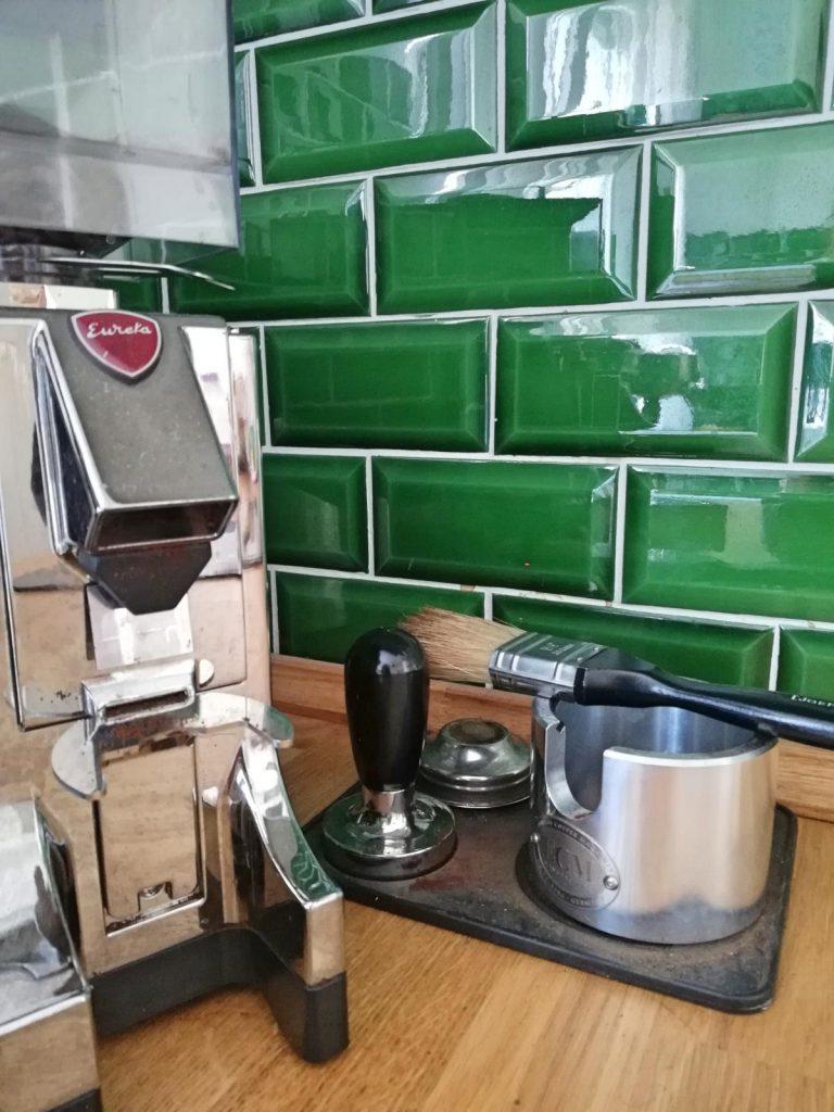 Homestory Zu Besuch bei Eric Dane Valerie Gerards Lifestyleblog Küche Kaffee