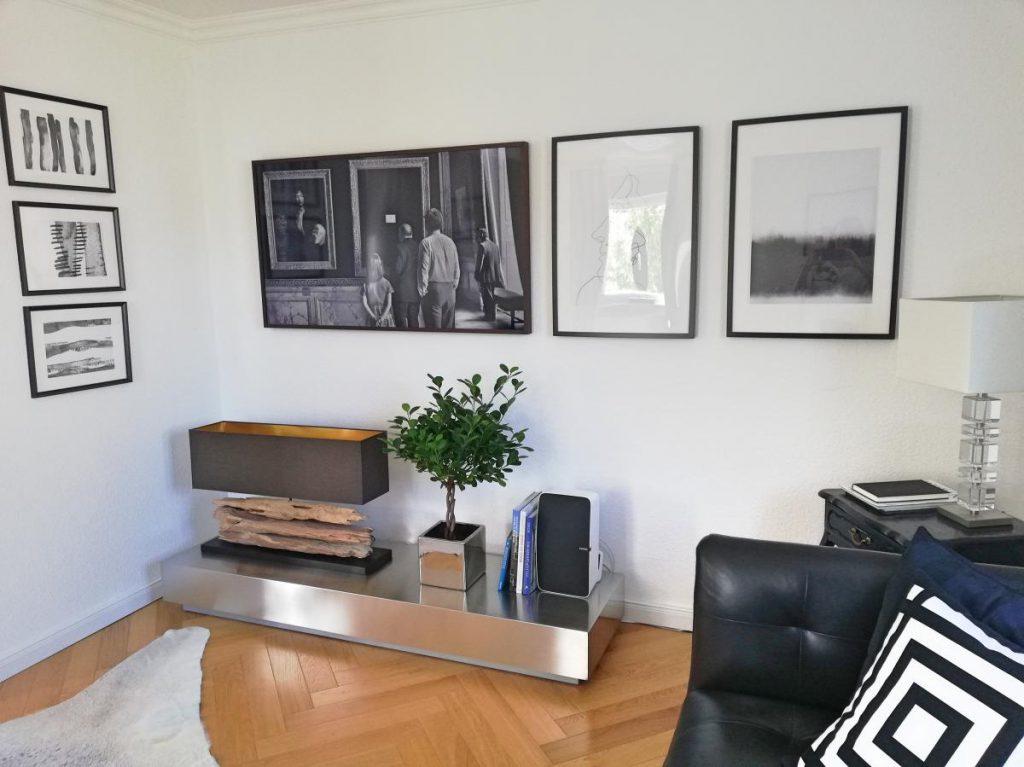 Homestory Zu Besuch bei Eric Dane versteckter Fernseher Frame
