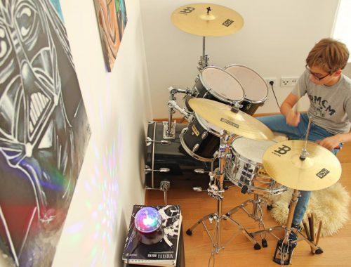 Jugendzimmer Teenagerzimmer Jungs einrichten Schlagzeug