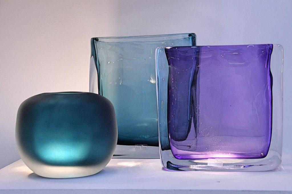 Einrichtungstipps Dekotipps Vasen blautoene Landbydean Ambiente 2020