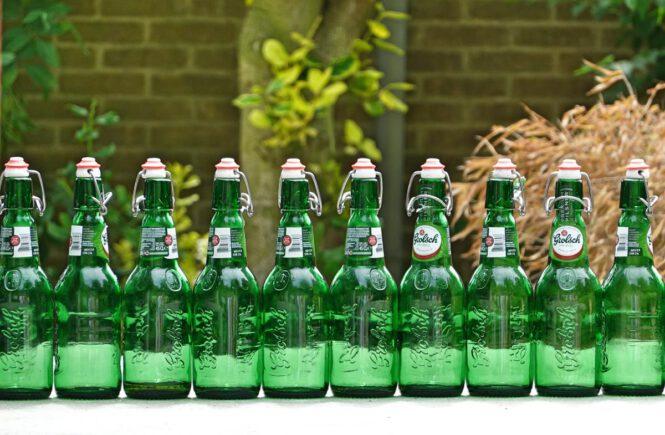 Geschlicklichkeitsspiel und Trinkspiel Bier-Ping