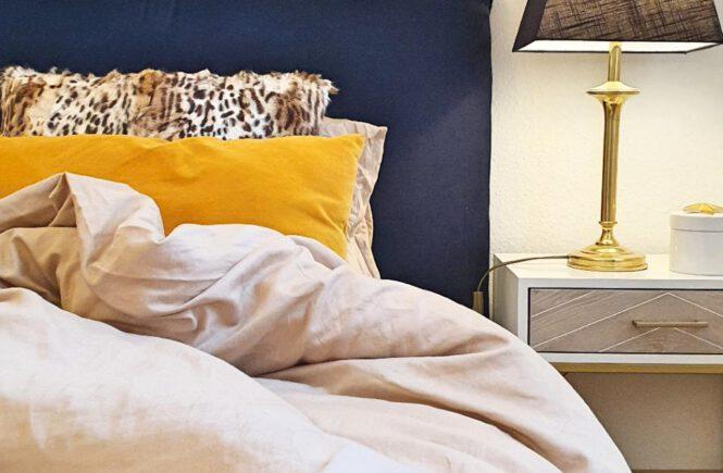 (Un-)heimlicher Blick ins Schlafzimmer: Das völlig verbockte Kopfteil-DIY
